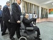 Le président Abdelaziz Bouteflika sur un fauteuil roulant