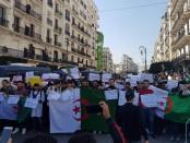 Manifestation en Algérie pour le départ du président Bouteflika du pouvoir