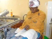 Almaz Derese a passé ses examens sur un lit à l'hôpital Karl Mettu.