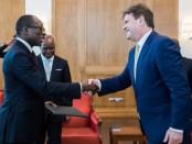 Le président Patrice Talon et l'ambassadeur de l'UE au Bénin Oliver Nette, le 3 mai 2018. © Présidence de la République du Bénin